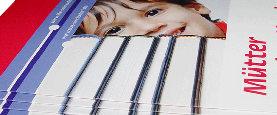 Ansicht Flyer Deckblatt SOS-Kinderdorf Mütter an den Start